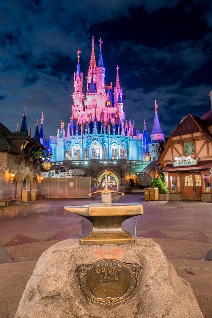 Walt Disney World's The Kiss Goodnight Tips and Review - The Bucket List Narratives