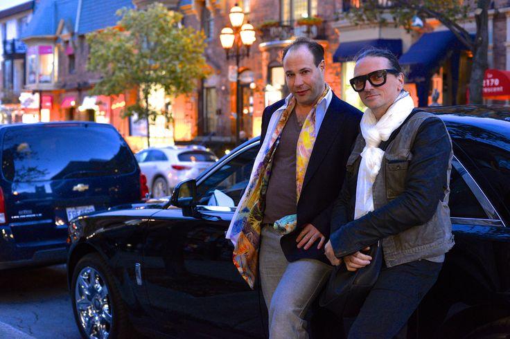 Les designers québécois Denis Gagnon et Vincent Boucher à Montréal avant la soirée de dévoilement du collier avec la Pierre Record Guinness chez Kaufmann de Suisse.