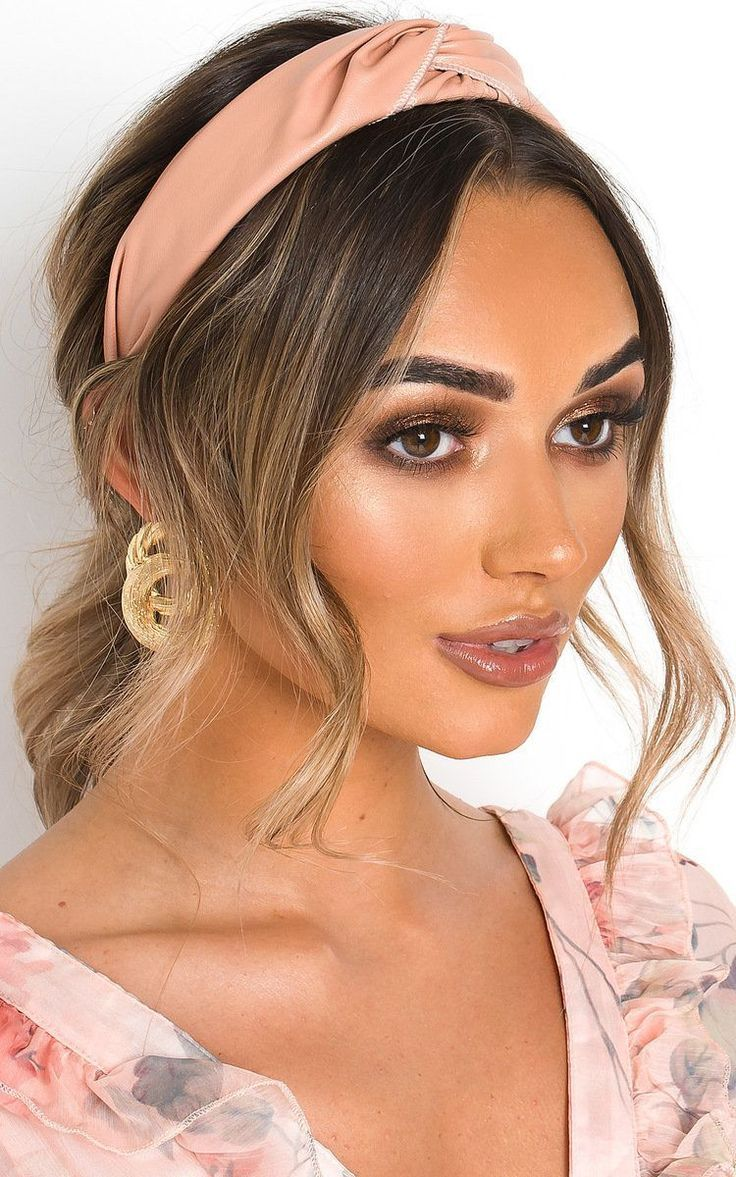 Headband Hairstyles Under 12 Cute Hairstyles With Headbands In 2020 Headband Hairstyles Hairband Hairstyle Mens Hairstyles Thin Hair