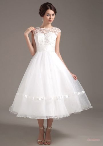 tea length lace wedding dress with sleeves - Sök på Google