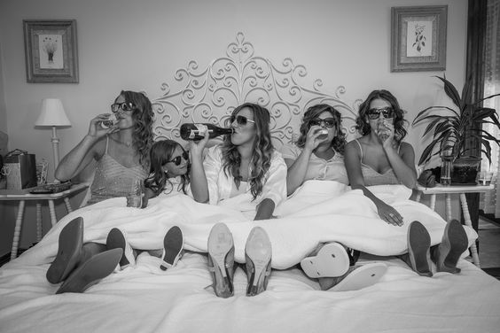 bridesmaid pictures, cute pics with bridesmaids, ideas for pictures with bridal party, funny bridesmaid photos