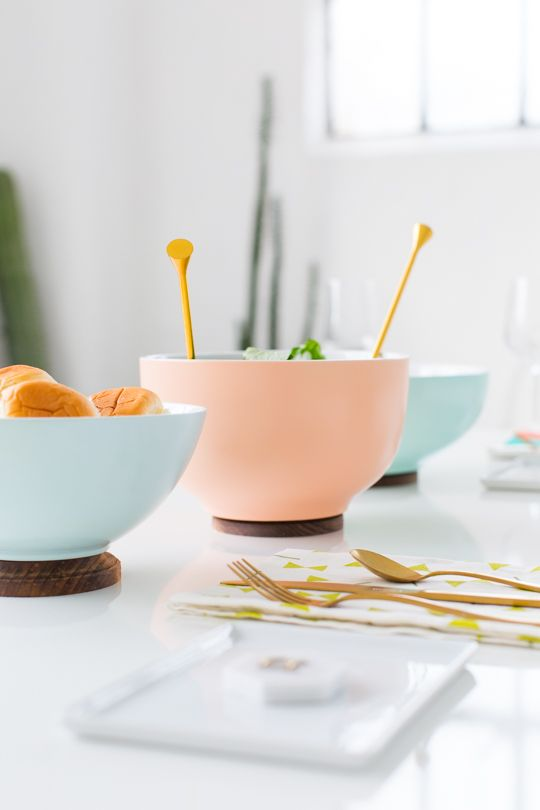 Whether it's Thanksgiving, Christmas, or just a dinner with friends, these DIY footed serving bowls will definitely up your tabletop game!