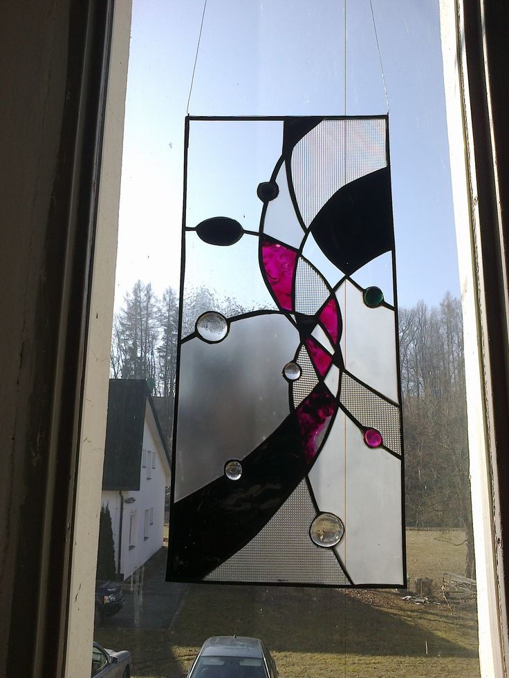 Okenní vitráž.