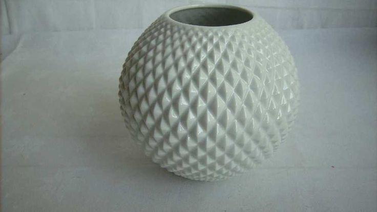 weiße Vase Kugelvase 70er 70s Porzellanmanufaktur München Op Art