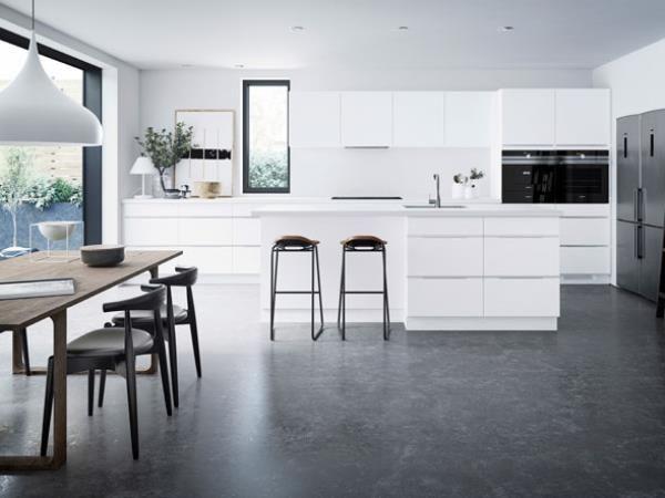 Een keuken die eenvoud, vorm en functie uitstraalt. De Mano keukenserie van Kvik is Deens design op zijn best. Bekijk de vele combinatiemogelijkheden hier...