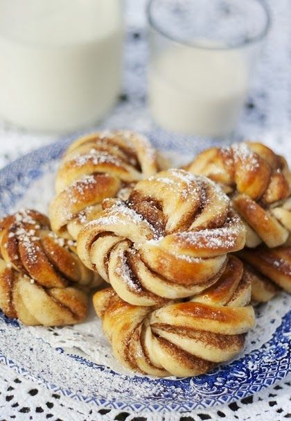 an excellent sunday morning with swedish cinnamon buns