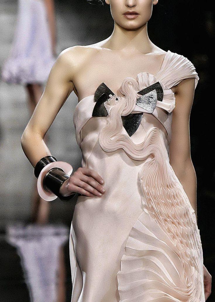 Armani: Couture Details, Soft Pink, Fabrics Manipulation, Dresses, Armani Couture, Giorgio Armani, Armani Concerns, Haute Couture, Armani Privé