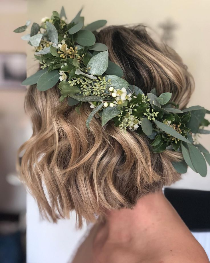 30 Beautiful Short Wedding Hairstyles for Brides