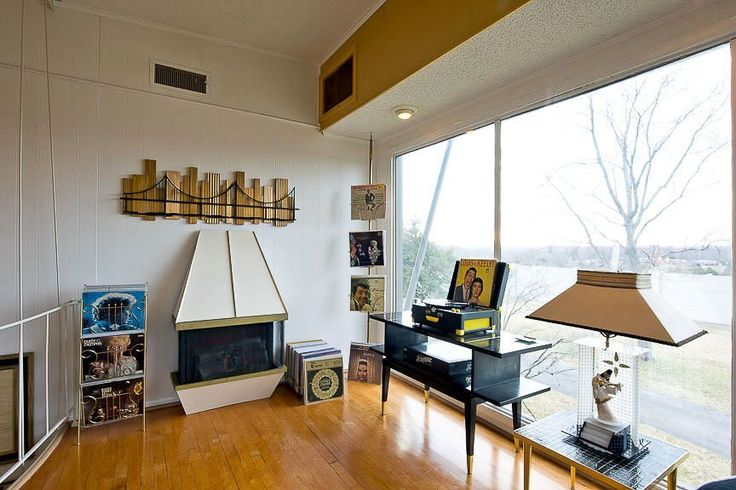 Karen 39 s mid century modern nashville home not enough for Mid century modern furniture nashville