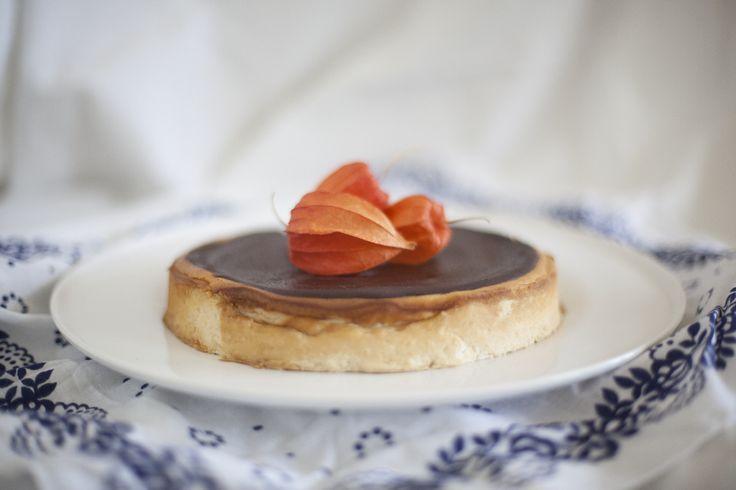 tahina cheesecake with ganache http://gruszkapietruszka.pl/post/83017368867/sernik-chalwowy