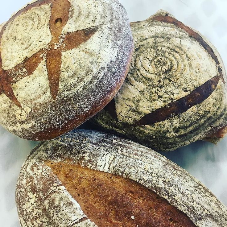 Great selection of Sourdough available today in @merlinsbakerycafe  Get them whilst they're hot!  #realbread #sourdough #sourdoughlight #beersourdough #lancashire #bread #bakerylife #bakery #loaf #slowfood #burscough #cafe