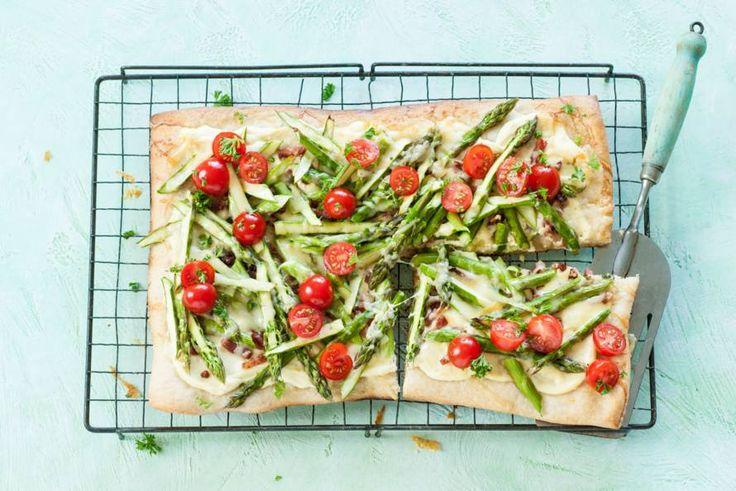20 april - Groene asperges in de bonus - Een heerlijke, hartige taart gemaakt met pizzadeeg - Recept - Allerhande