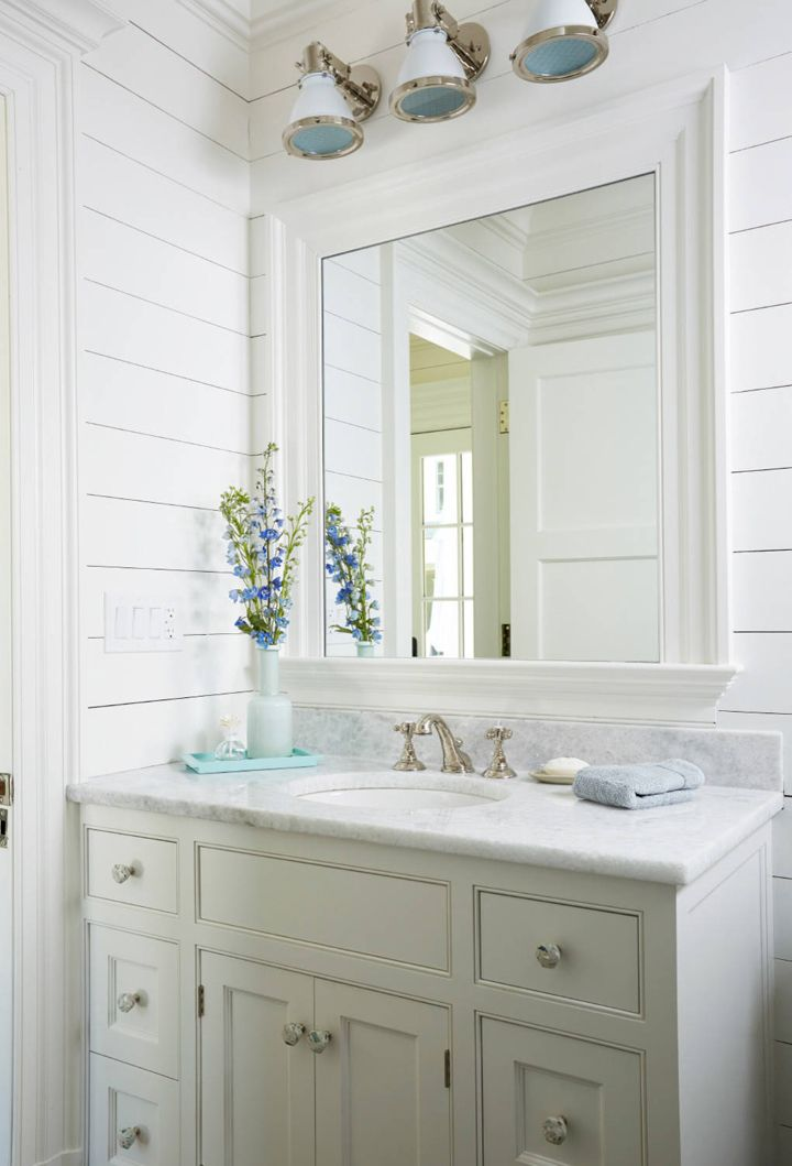 The 25 best coastal bathrooms ideas on pinterest beach for Coastal bathroom design