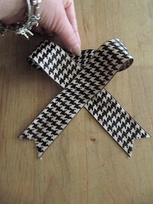 Sew Many Ways...: How To Make a Bow...2 EasyTutorials