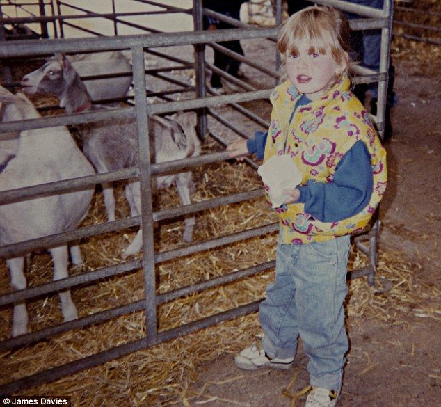 I can totally see Adele in this photo! So cute! Aged 6.