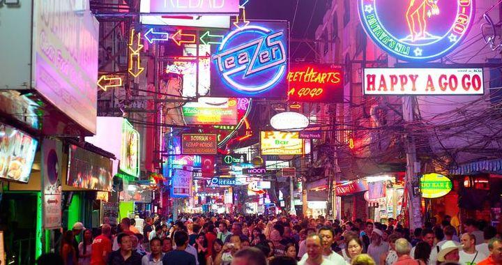 Einer meiner Top 3 Artikel auf Flashpacking4life.de - Besuch einer Ping Pong Show gefällig?  http://flashpacking4life.de/ping-pong-show-thailand-eine-lohnende-sache/