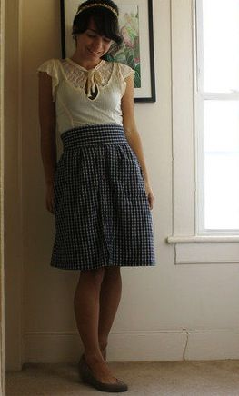 Turn a men's dress shirt into this darling skirt! Plus 20+ more dress shirt ideas.