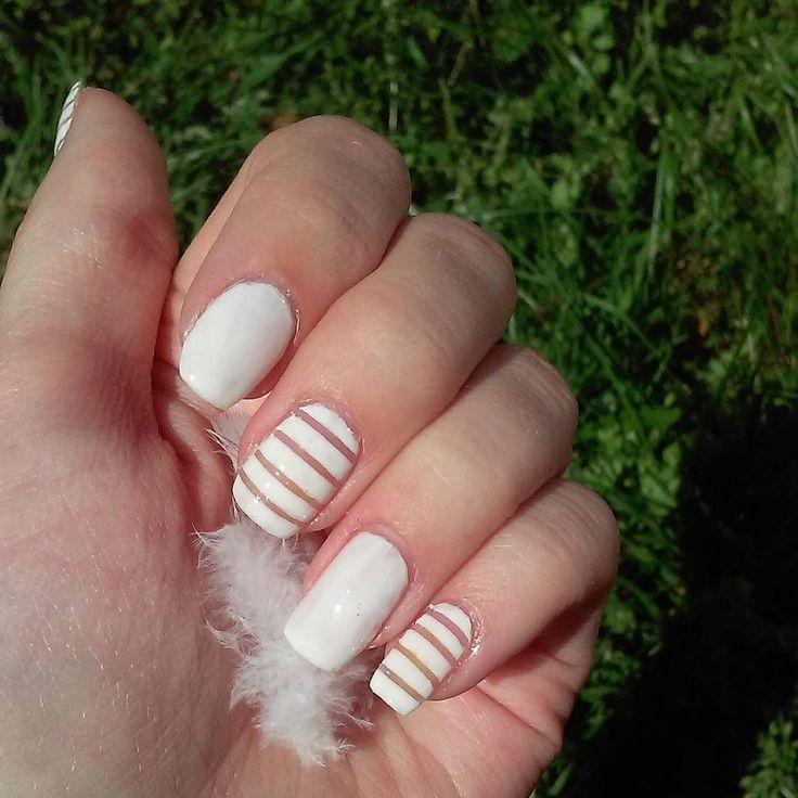 I'm not ready yet! Inspired by @basic.nails  #notreadyyet #kynsikoristelut #nailsoftheday #notd #classic #classy #instanails #instanailstyle #nailsofig #sunnyday #nails #stripingnails #stripenailart #stripingtape #nailtape #tapedesign #nailstagram #kynsitaide #nailart #nailartdesign #naildesign #summernails #kesäkynnet #negativespacenails #sommarnaglar #realnails #girlynails #konehelsinki #greengrass #feather