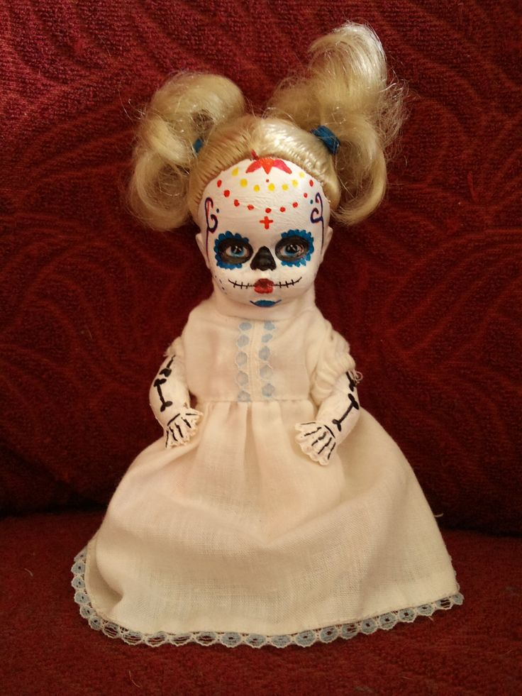 Sugar skull girl by Katrine Svinth