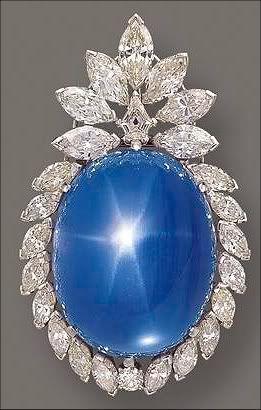 Cabochon Star Sapphire And Diamond Brooch.                                                                                                                                                                                 Más