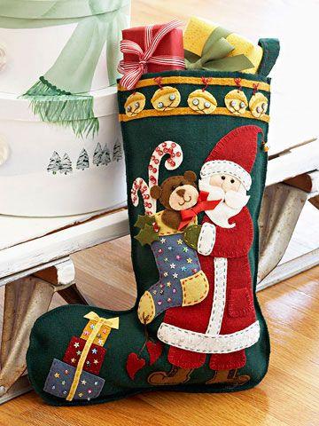 Artesanato e Cia: Bota de natal em feltro com aplicação- molde no blog.