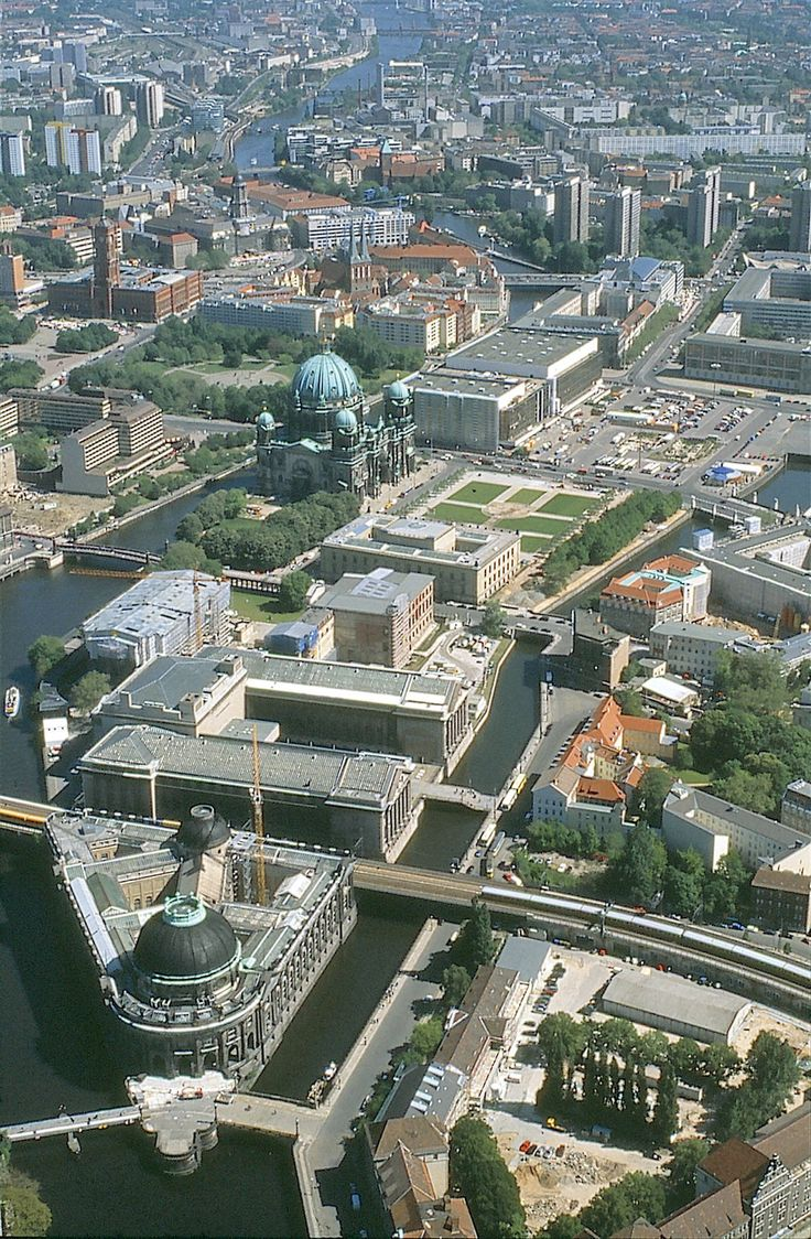 Arial View of Museum Island in Berlin. In the middle, behind the church is the 'Palast der Republik' aka 'Erichs Lampenladen' (demolishing finished in 2008).
