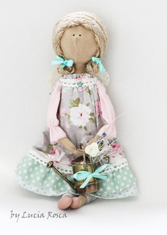"""Lucias handmade: Ангелочек СердеШный """"... а в саду так пахнут розы"""":)"""