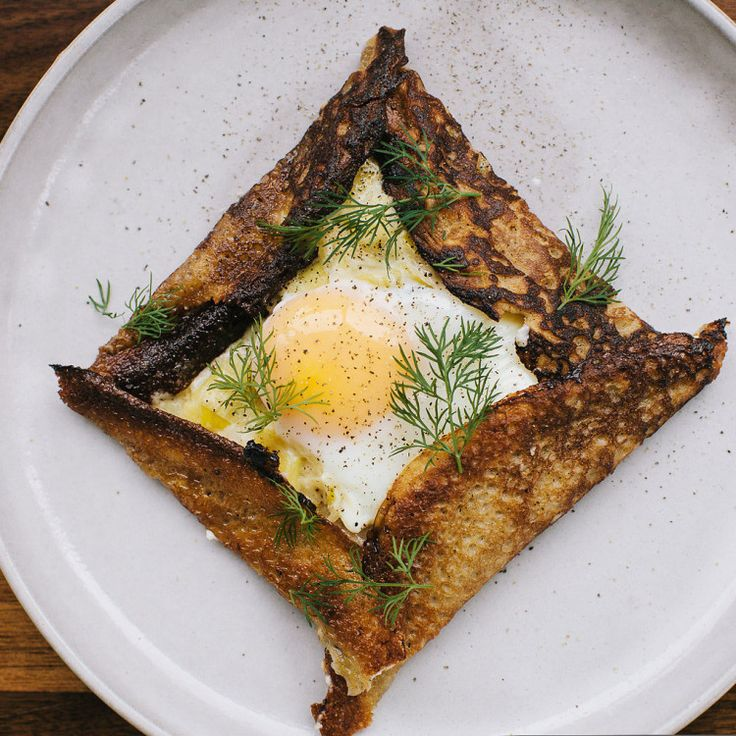 If I had any of these ingredients - buckwheat flour, leeks, dill - I would make these crepes right away.