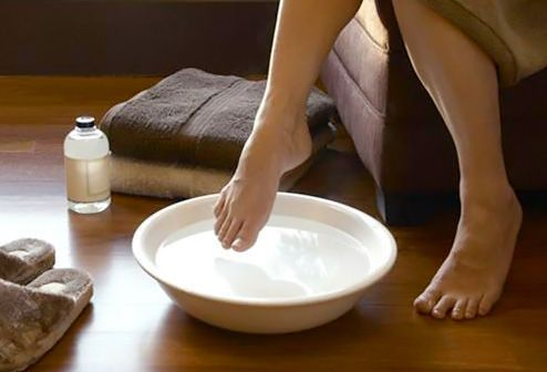 Soak your feet to get dry skin off.   This works and makes your feet feel really good!  Listerine: the BEST way to get your feet ready for summer. Mix 3/4 cup Listerine, 3/4 cup vinegar and 1 1/2 cups of warm water. Soak feet for 10 minutes and when you take them out the dead skin will practically wipe off! #ToenailFungusPeople