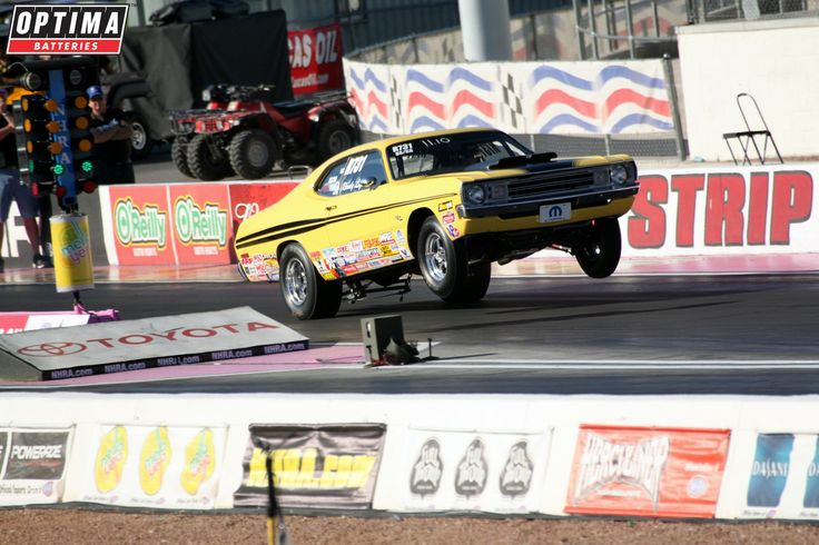 Wheels up mopar at the strip at las vegas motor speedway for Las vegas motor speedway drag strip