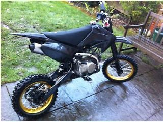 Pit bike crf70 120cc wpb not stomp black with recently new SDG gold rims - http://motorcyclesforsalex.com/pit-bike-crf70-120cc-wpb-not-stomp-black-with-recently-new-sdg-gold-rims/