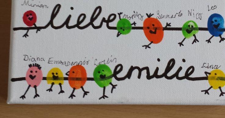 Für eine Schülerin, die unsere Klasse verlassen hat, haben wir gemeinsam dieses Geschenk gebastelt. Fingerabdrücke, die zu Vögeln umgesta...