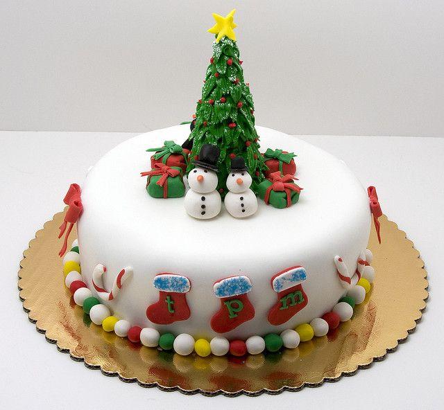christmas cake ideas - stockings and tree cake