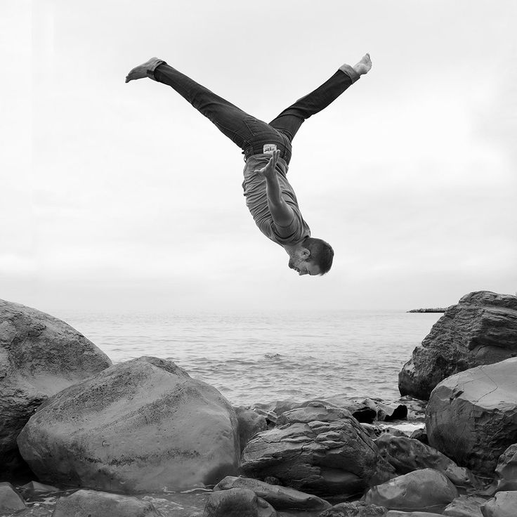 Best DIVEdanceBLURsportJUMP Images On Pinterest - Minimalistic black white photo series captures energetic movements mid air