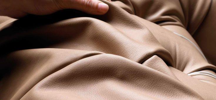 Oggi vi diamo alcuni suggerimenti su come arredare il #soggiorno con i divani in pelle @poltronafrau