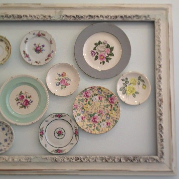cute china display, vintage..reminds me of my daughters serving trays for her wedding..