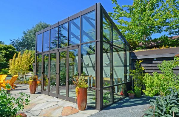 A contemporary glasshouse