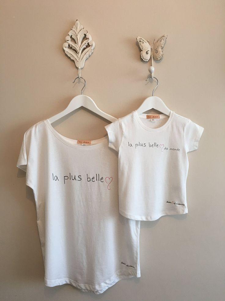 """#Camiseta #minime by #loveadrienne. Estampado delantero """"la plus belle""""/ """"La plus belle du monde"""". Para mujer y niña. Tejido algodón 100%"""
