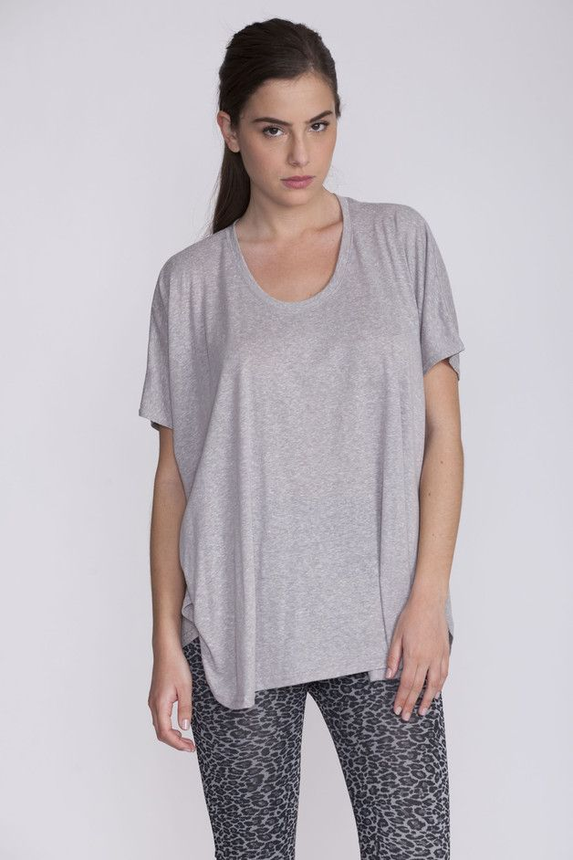 Great gift for those who love simplicity. Tunic Tops – Light Gray oversize top, short sleeve – a unique product by AndyVeEirn via en.DaWanda.com