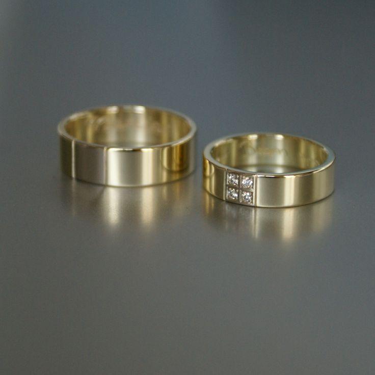geelgouden trouwringen met diamanten in paté-zetting