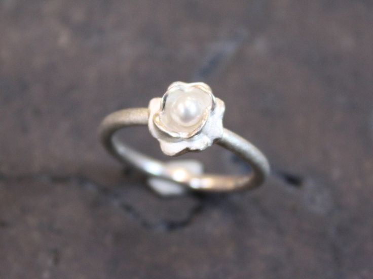 engagement ring // Verlobungsring by HeikeWeinbrod via dawanda.com