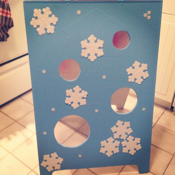 Frozen snowball toss game. Add fake snow & styrofoam balls.
