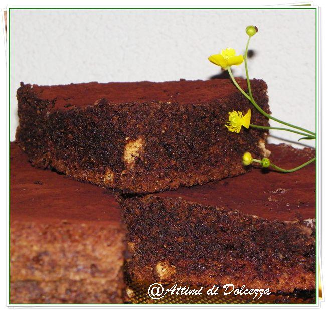 TORTA AL CIOCCOLATO E AMARETTI / CHOCOLATE AND AMARETTI CAKE