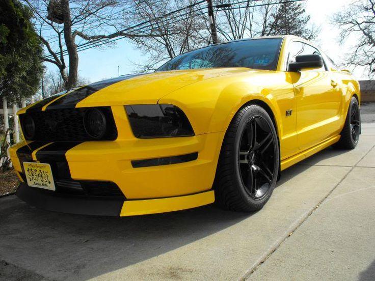 The Screaming Yellow 2005 Mustang - https://musclecarheaven.net/screaming-yellow-2005-mustang/
