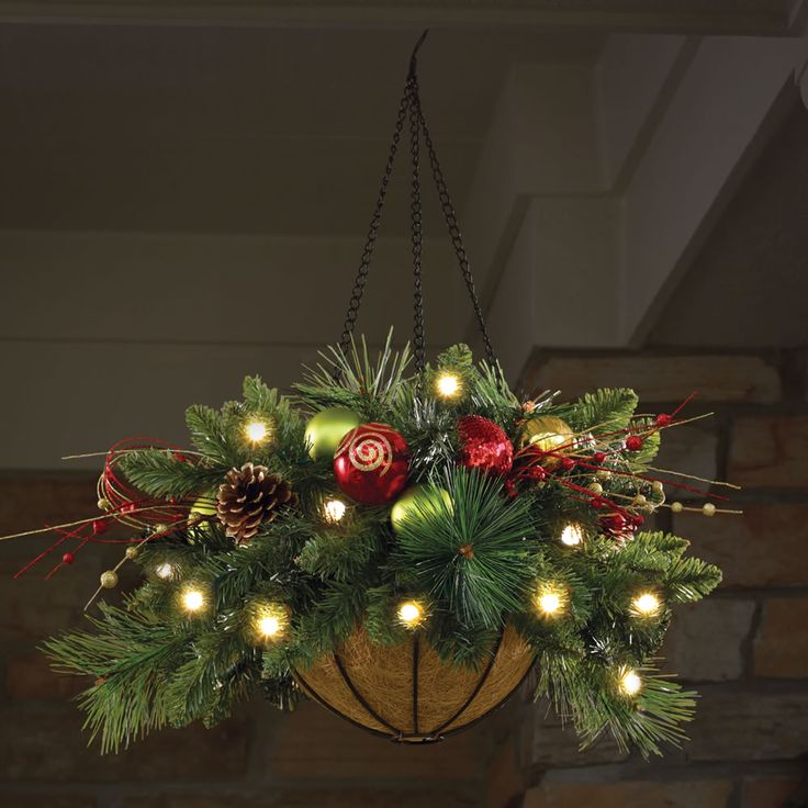 Cordless pre lit christmas hanging basket 24 dia holiday for Pre lit outdoor decorations