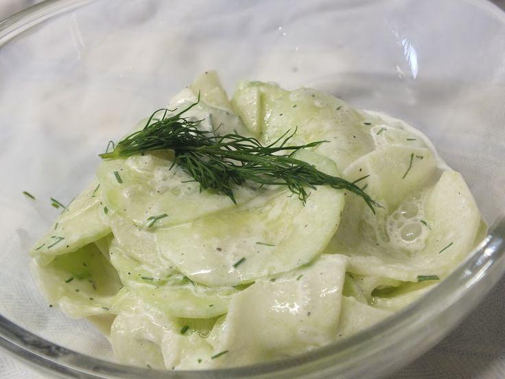 Gurkensalat mit saurer Sahne und Dill, ein schmackhaftes Rezept aus der Kategorie Gemüse. Bewertungen: 55. Durchschnitt: Ø 4,3.