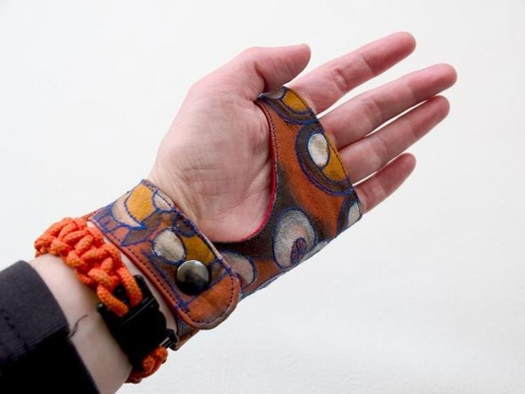 Glove Wrist Wallet sewing pattern  | Craftsy