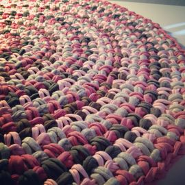 Trapillo T-shirt yarn rug || by OsaEinaime שטיח