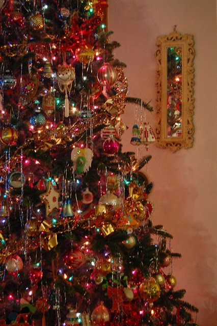 Charmant Farmhouse Life: Decorating Our Christmas Tree