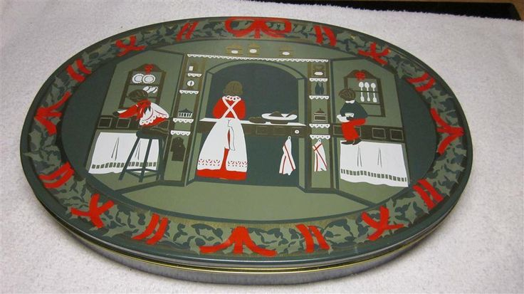 One of my favourite tins by Jette Frölich - Royal Copenhagen - jul